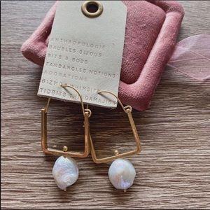 NWT Anthropologie Natural Pearl Hoop Earrings